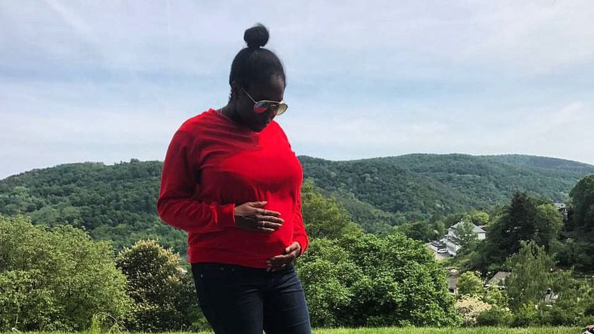 Schon bald Mama: Schwangere Motsi Mabuse kann's kaum glauben