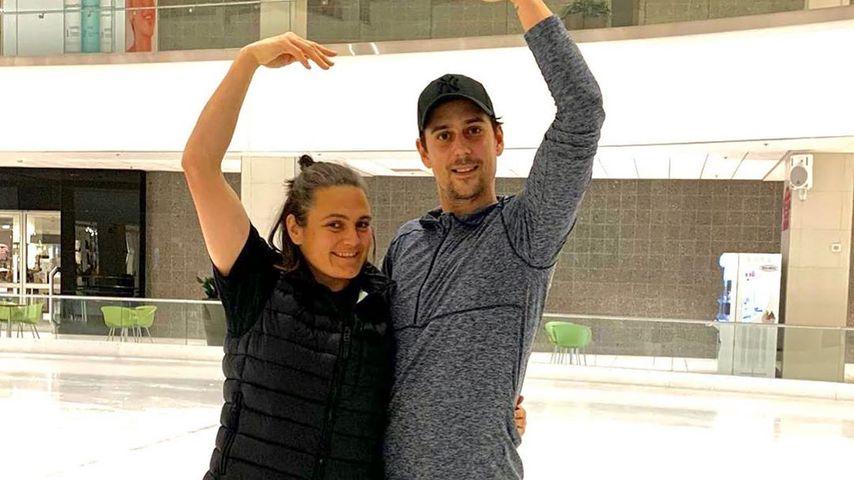 Nadine Angerer mit Eiskunstlauf-Partner David Vincour