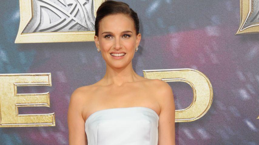 Traumkleid! Natalie Portman punktet ganz in Weiß