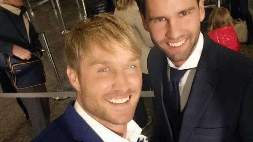 Nico Schwanz und Alexander Keen am Frankfurter Flughafen