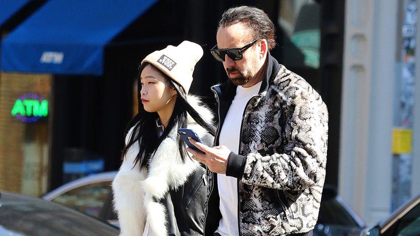 Nicolas Cage mit seiner vermeintlich neuen Freundin Riko Shibata im März 2020