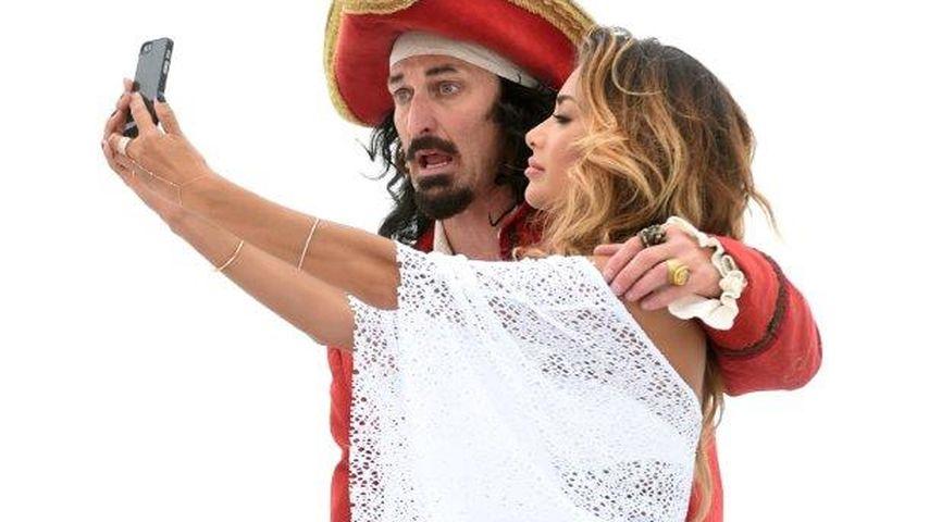 Weiß ist heiß! Nicole Scherzinger verführt als Piratenbraut
