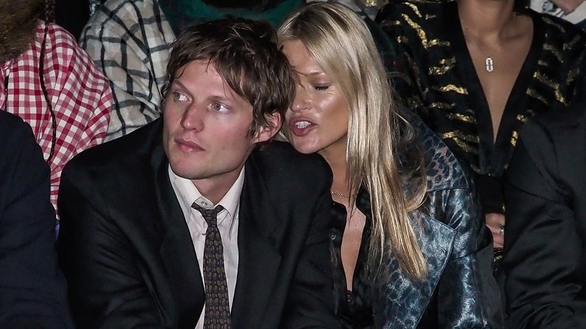Bei Fashion-Show: Hier turtelt Kate Moss mit ihrem Freund!