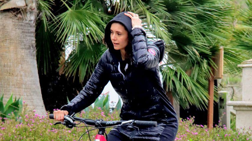 Nina Dobrev in Malibu im März 2020