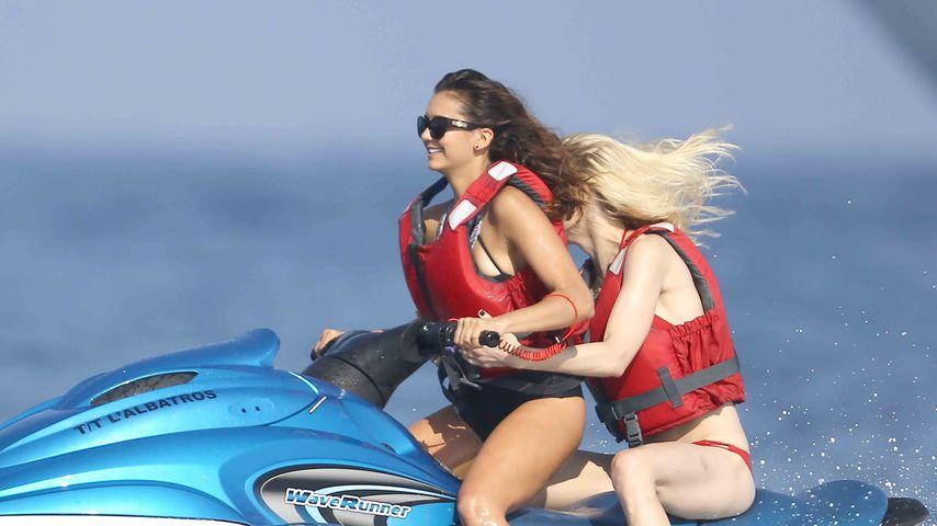 Sexy Adrenalin-Junkie! Nina Dobrevs cooler Action-Urlaub