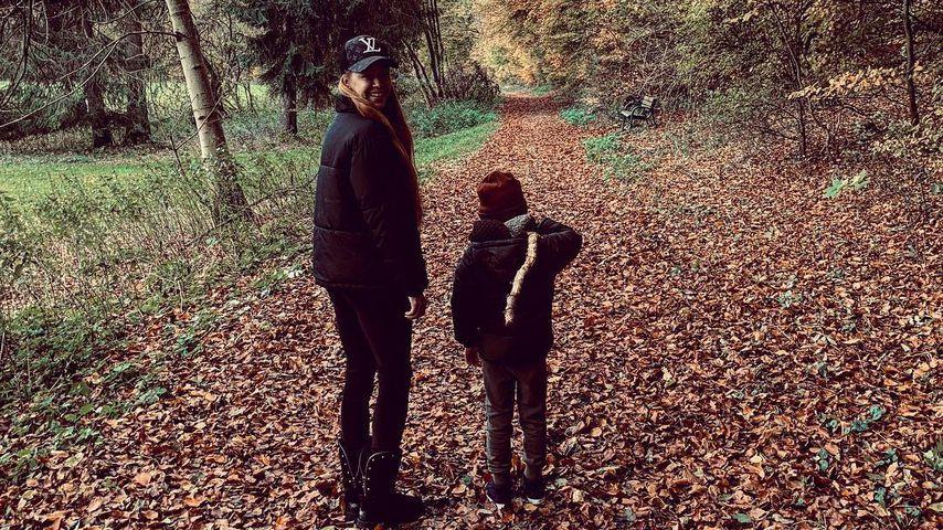 Oana Nechiti mit ihrem Sohn