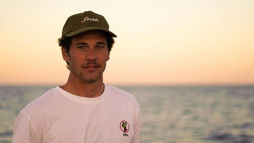 Oscar Serra, Surfer