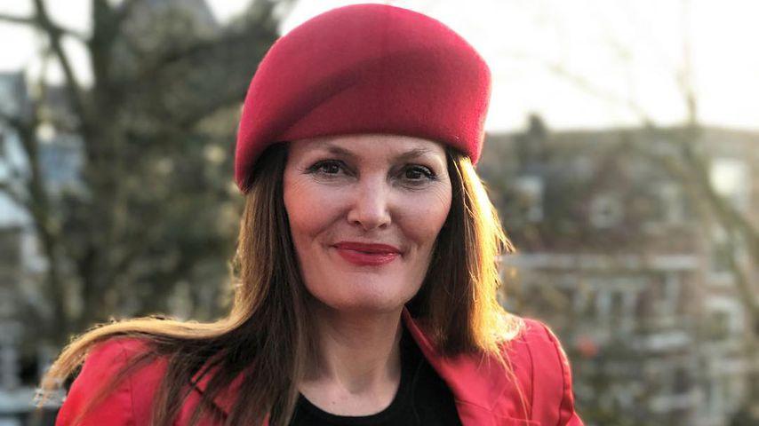 Pamela Falcon, Sängerin