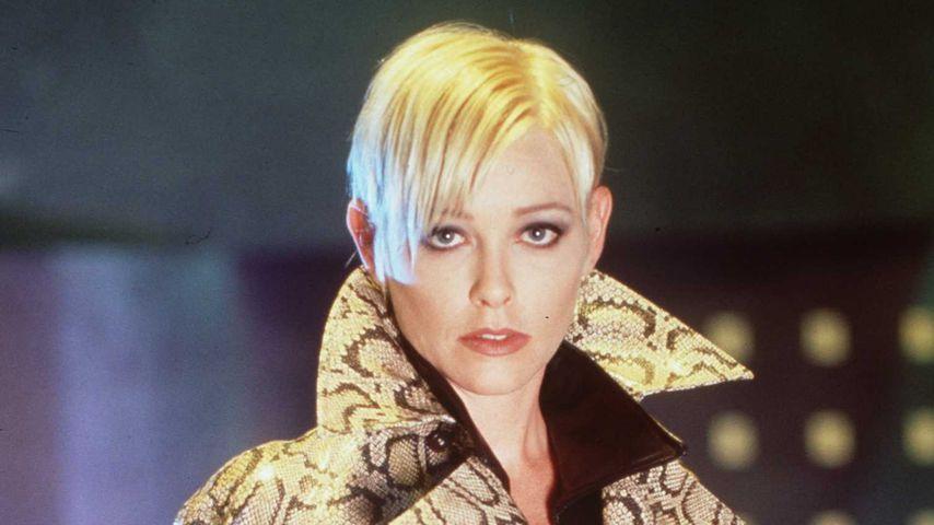 """Pamela Gidley in """"The Pretender"""" im Jahr 1998"""