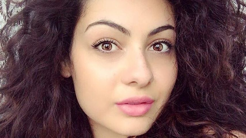 Curvy Model Paola Torrente