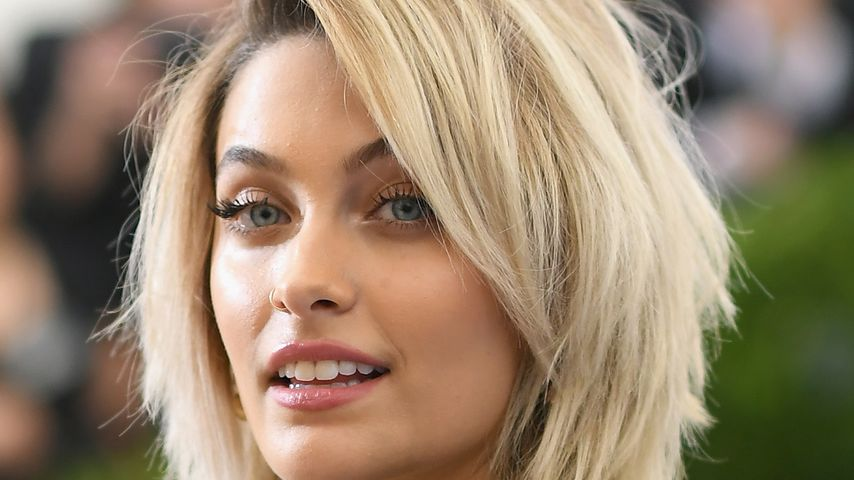 Neuer Name! Hat Paris Jackson (17) etwa geheiratet?