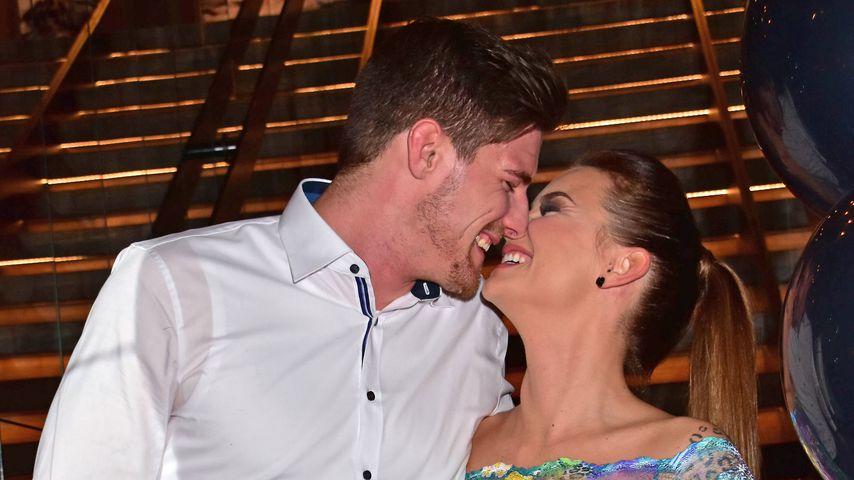 Pascal Kappés und Denise Temlitz bei einer Party in Berlin