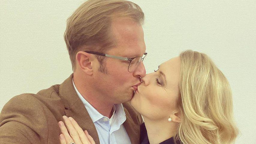 Seltenes Foto: Hier küsst Patricia Kelly ihren Ehemann Denis