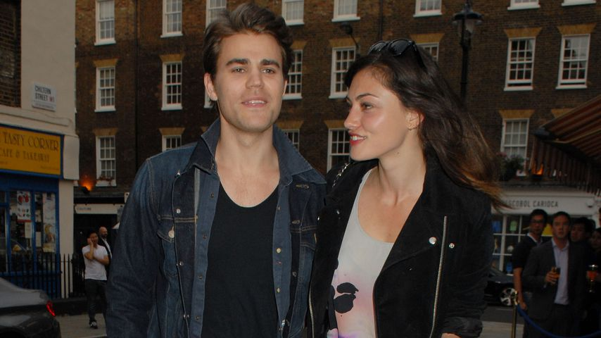 Paul Wesley und Phoebe Tonkin In London 2014