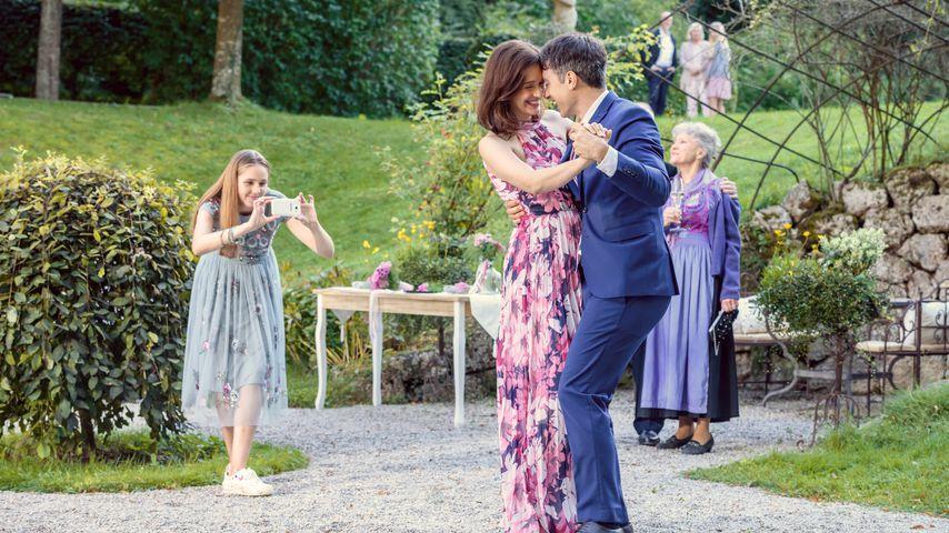 """Paulina Hobratschk, Uta Kargel, Lorenzo Patané und Antje Hagen bei """"Sturm der Liebe"""""""