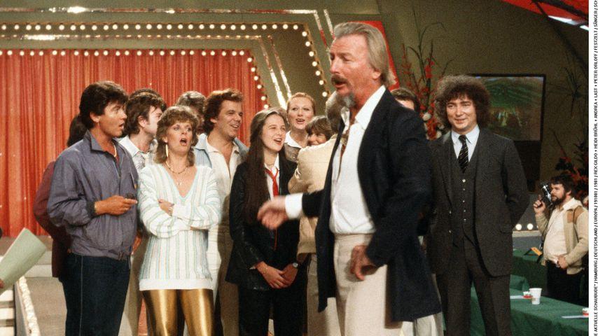 """Peter Orloff ( ganz rechts) mit James Last bei """"Die aktuelle Schaubude"""""""