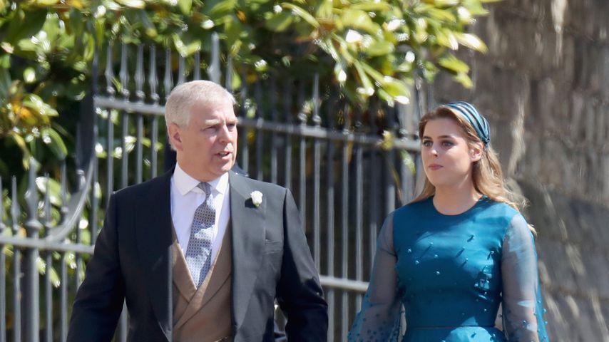 Prinz Andrew und Prinzessin Beatrice bei der Hochzeit von Prinz Harry und Herzogin Meghan