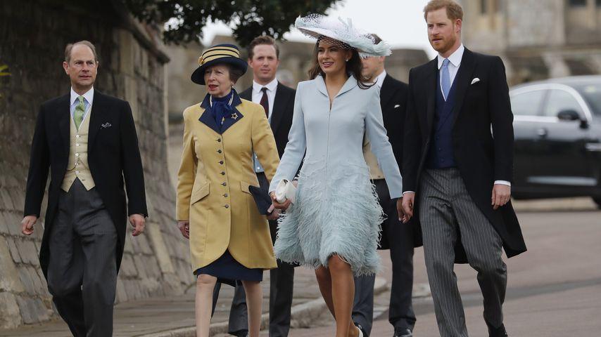 Prinz Edward, Prinzessin Anne, Sophie Winkleman und Prinz Harry vor Schloss Windsor