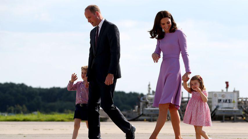 Prinz George, Prinz William, Herzogin Kate und Prinzessin Charlotte in Hamburg