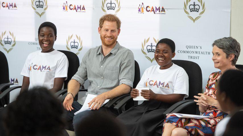 Prinz Harry bei seinem Besuch einer Schule in Malawi