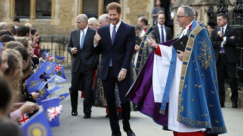 Prinz Harry und Dekan John Hall am Commonwealth Day, 2017
