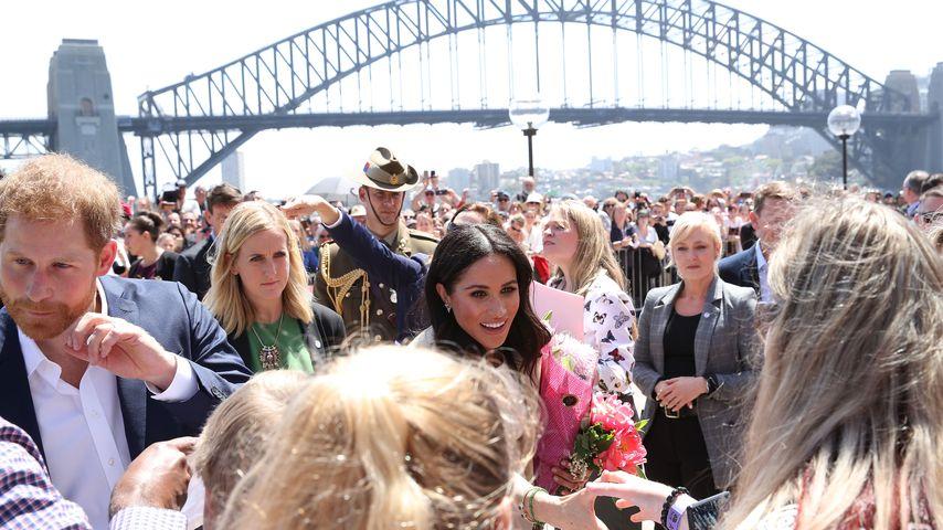 Prinz Harry und Herzogin Meghan mit ihrem Bodyguard in Sydney
