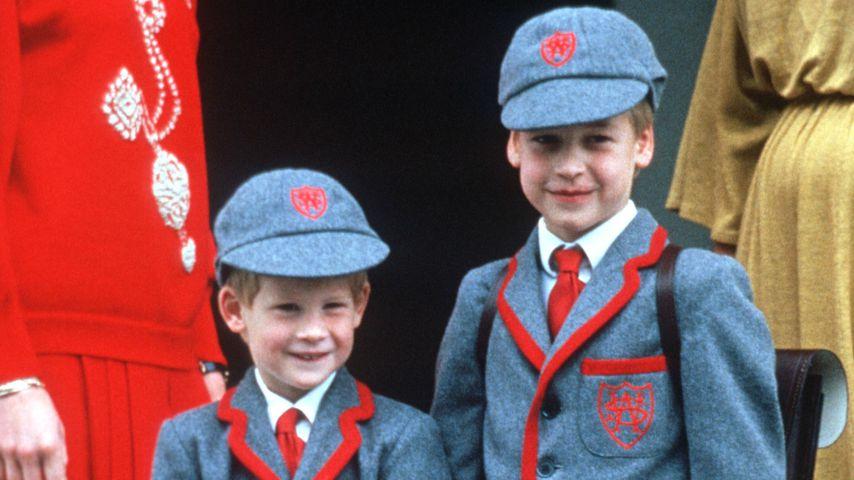 Prinz Harry und Prinz William bei Harrys Einschulung, 1989