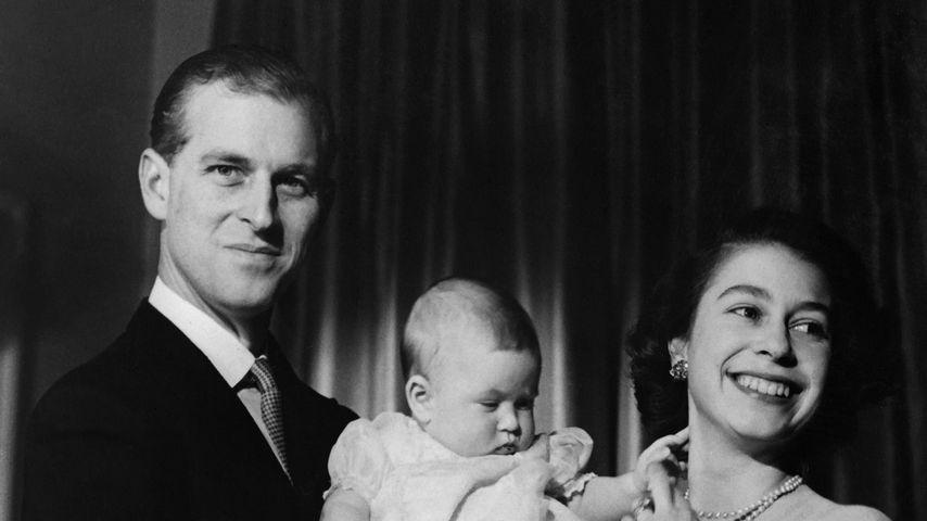 Prinz Philip mit Queen Elizabeth und Sohn Charles