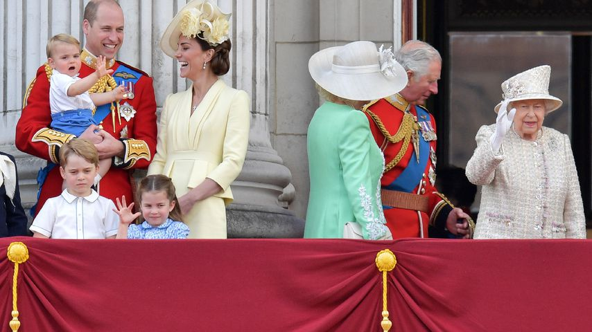 Prinz William mit Herzogin Kate und den Kids bei der Trooping the Colour-Parade