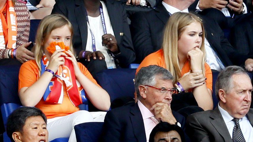 Prinzessin Catharina-Amalia und Prinzessin Ariane im Stadion von Lyon