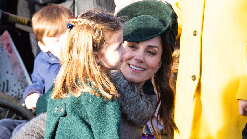 Prinzessin Charlotte und Herzogin Kate am ersten Weihnachtsfeiertag in Sandringham, Norfolk
