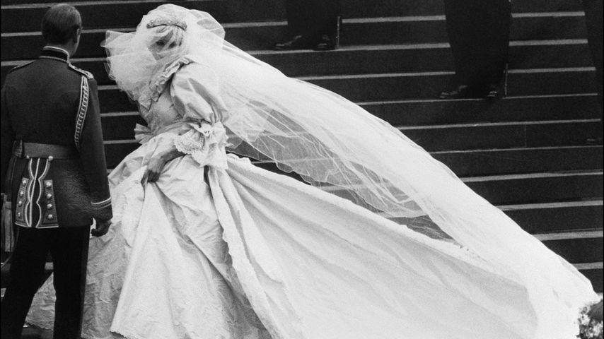 Prinzessin Diana hatte ein geheimes Ersatz-Hochzeitskleid!