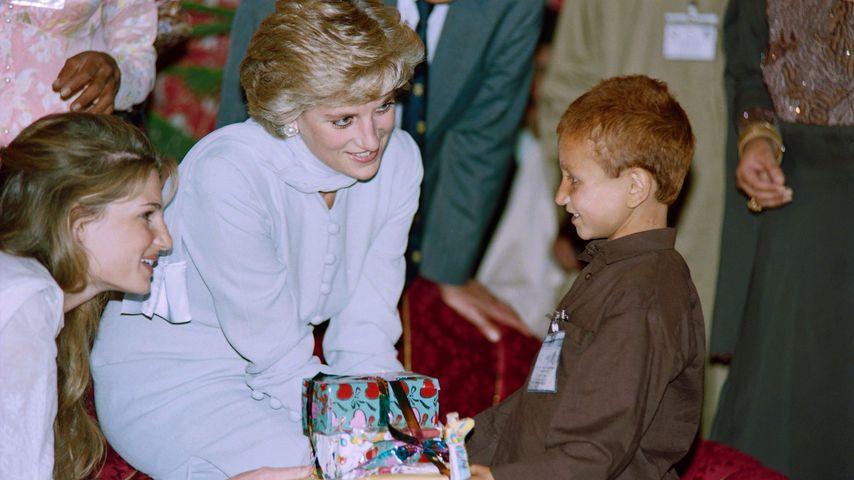 Prinzessin Diana bei ihrem Pakistan-Besuch 1996