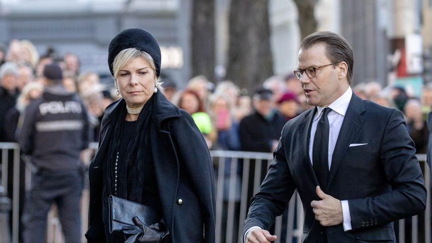 Prinzessin Laurentien der Niederlande und Prinz Daniel von Schweden auf Ari Behns Trauerfeier