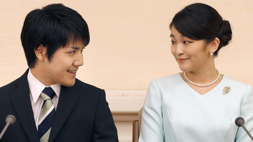 Prinzessin Mako und ihr Verlobter Kei Komuro bei der Bekanntgabe ihrer Verlobung in Tokyo