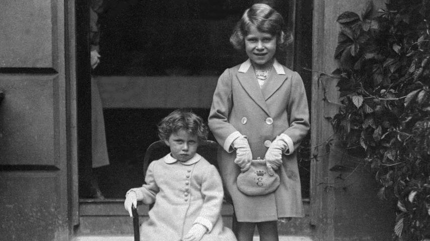 Prinzessin Margaret (links) und Queen Elizabeth (rechts) im Jahr 1933