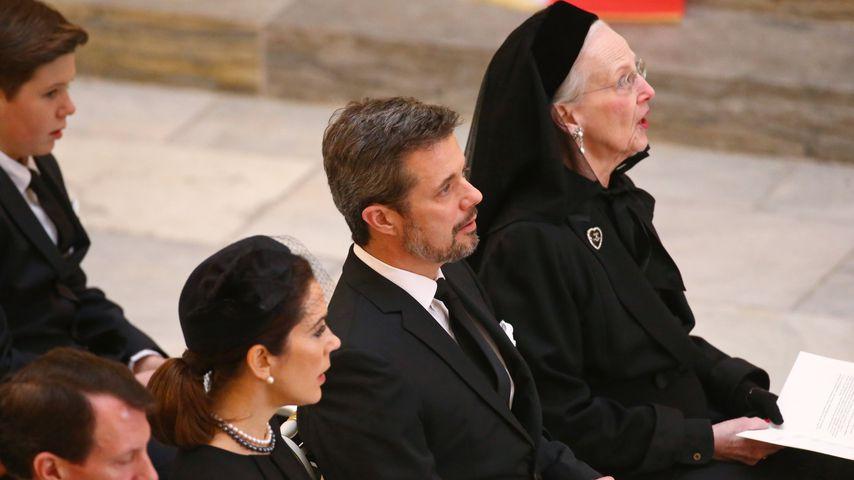Prinzessin Mary, Prinz Frederik und Königin Margrethe bei der Trauerfeier von Prinz Henrik