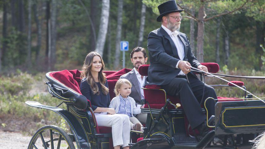 Prinzessin Sofia und Prinz Carl Phillip mit ihrem Sohn Prinz Alexander im Nynäs Naturreservat