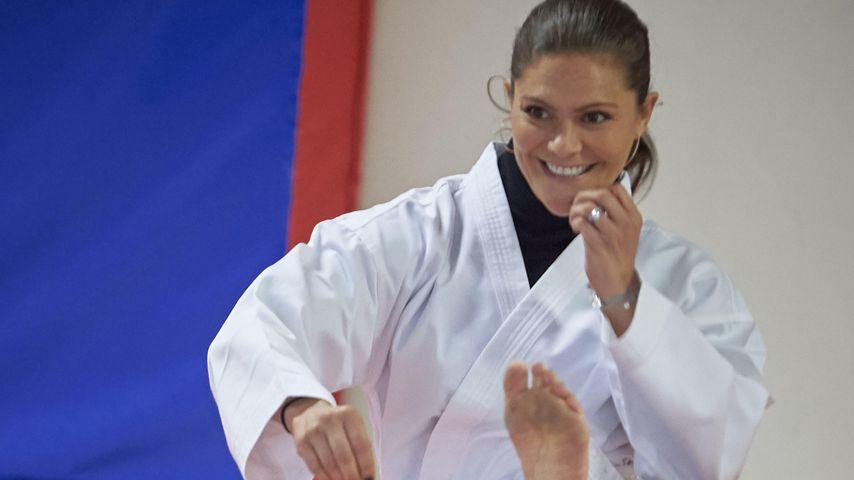 Sportlich: Victoria von Schweden gibt alles beim Karate!