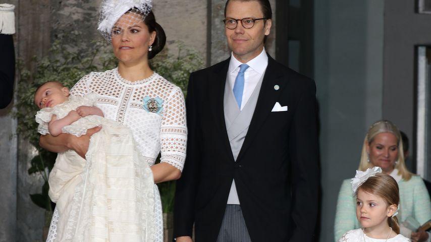 Prinzessin Victoria und ihre Familie an Oscars Taufe
