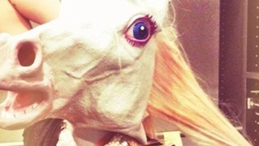 Rätsel: Wer steckt denn unter der Einhorn-Maske?