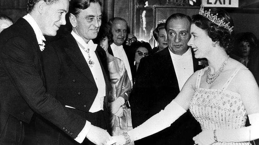 """Queen Elizabeth II. 1962 bei der Premiere von """"Lawrence von Arabien"""""""