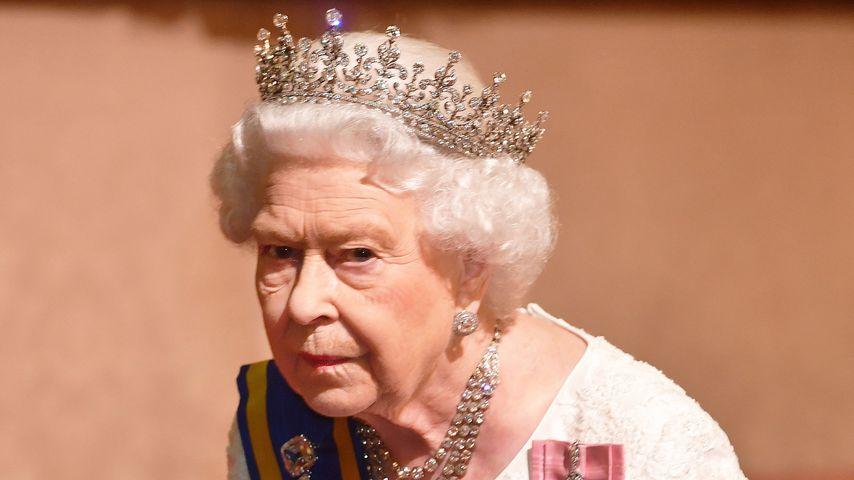 Queen Elizabeth II. bei einem Empfang im Buckingham Palace