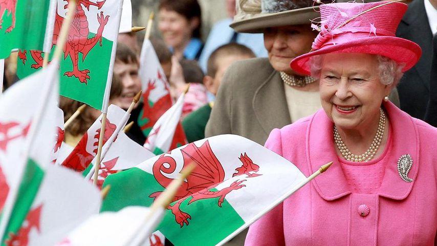 Queen Elizabeth II. besucht Wales 2010