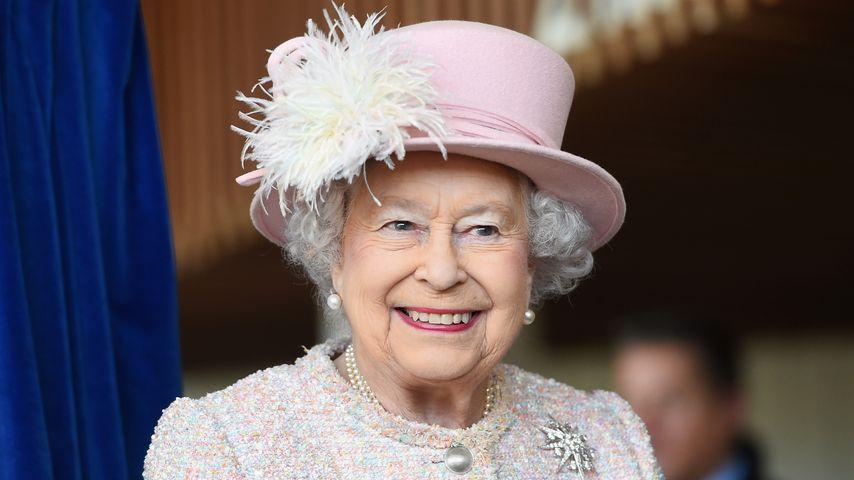 Queen Elizabeth II. bei einem Besuch in Sussex