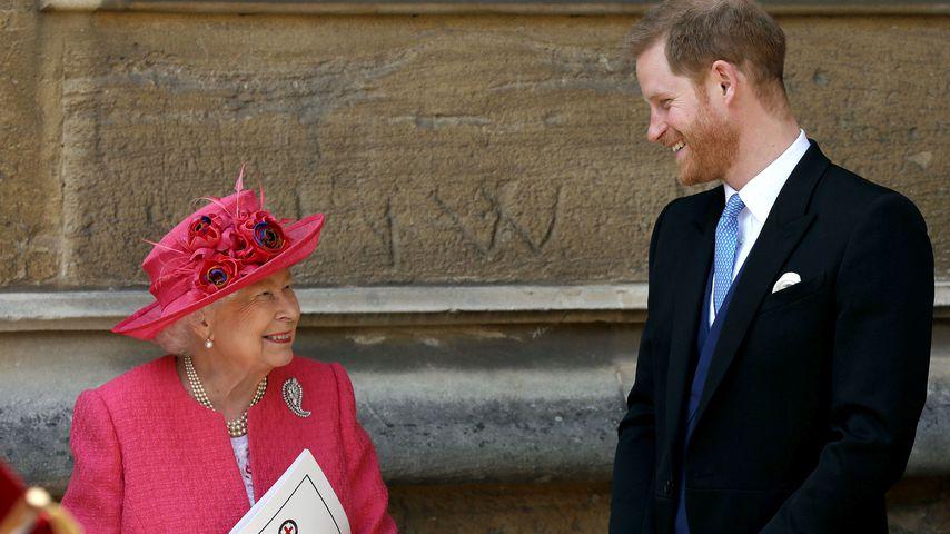 Queen Elizabeth II. und Prinz Harry bei der Hochzeit von Lady Gabriella Windsor