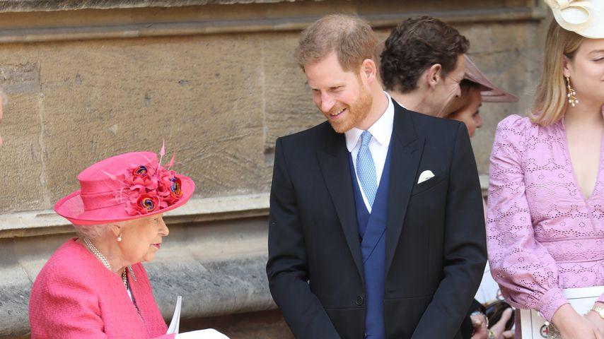 Queen Elizabeth II. und Prinz Harry bei der Hochzeit von Lady Gabriella Windsor und Thomas Kingston