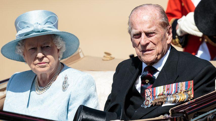 """Queen Elizabeth II. und Prinz Philip auf der """"Trooping the Colour"""" Zermonie 2017"""