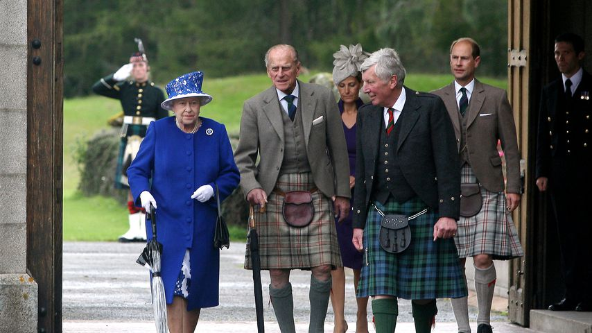 Queen Elizabeth II., Prinz Philip, Sophie, Countess of Wessex und Prinz Andrew im Balmoral Castle