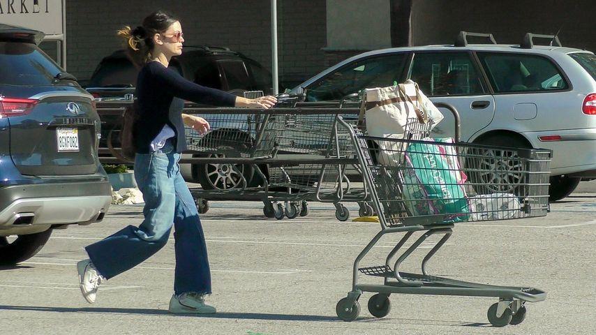 Hier macht sich Rachel Bilsons Einkaufswagen selbstständig